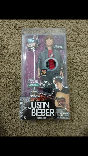 Justin Bieber Singing Doll for Sale in Laveen Village, AZ
