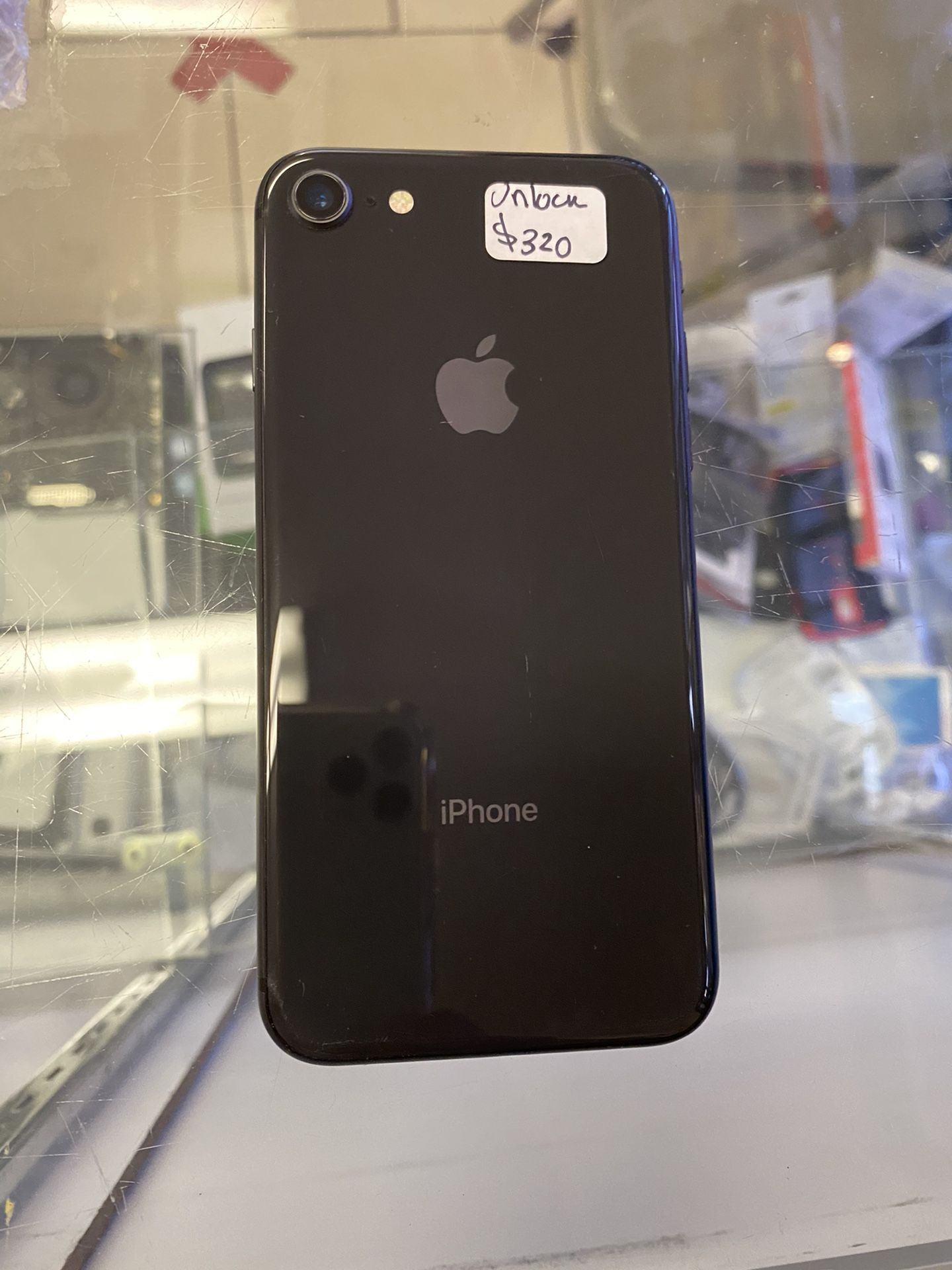iPhone 8 unloked