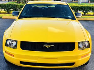 FORD MUSTANG for Sale in Miami, FL