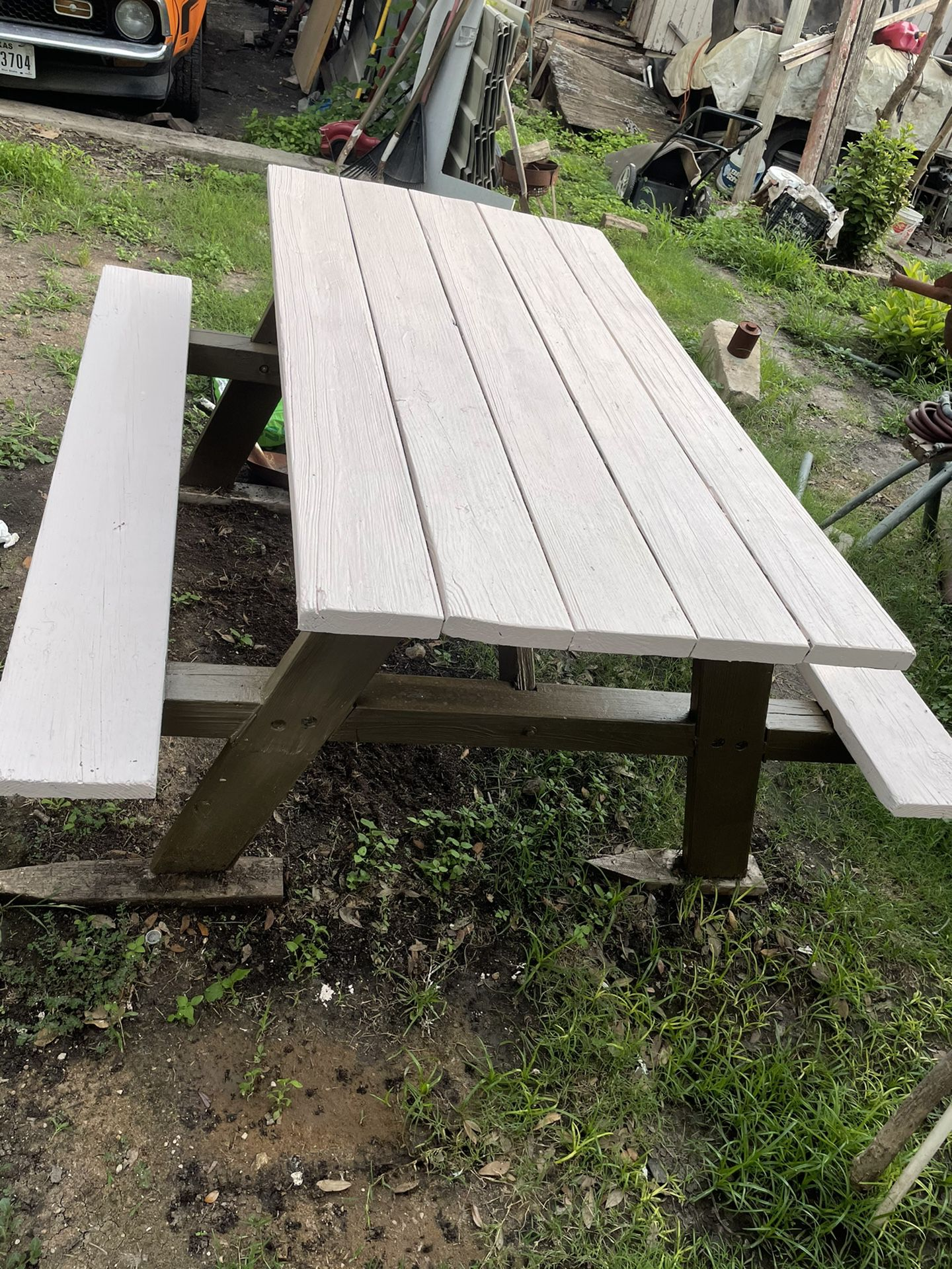 Photo 6 Ft Picnic Table