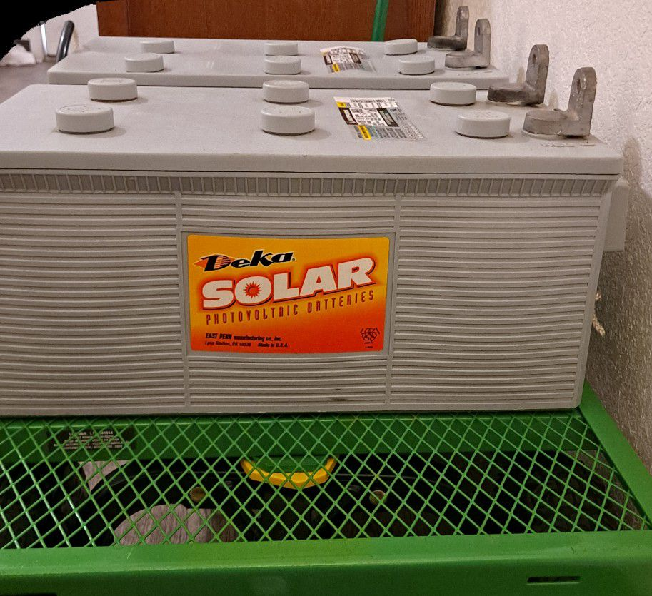 Photo Deep Cycle Battery By Deka For Solar Backup Food Trucks Rvs Campers Boats Off Grid Backup
