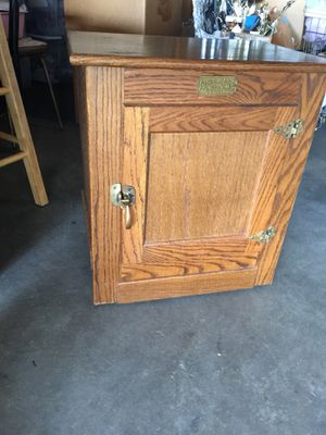 Ice Box Table Oak for Sale in St. Louis, MO