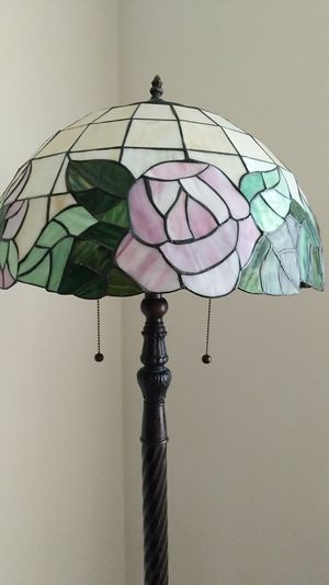 Tiffany style rose glass floor lamp for Sale in Myersville, MD