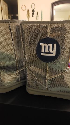 NY Giants girl boots...never worn size S for Sale in Laurel, MD
