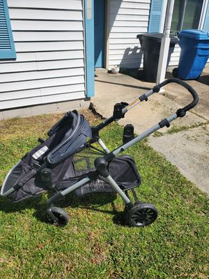 Photo Evenflo double stroller for infant and toddler