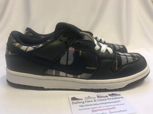 8fe3cf44b0c Nike Dunk Low Plaid WMNS Size 10 Mens 8.5 for Sale in Lynnwood