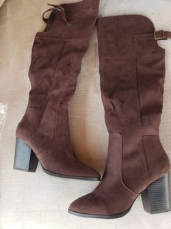 Women's shoes and boots Thumbnail