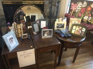 2 antique vintage end tables and assorted frames- must pick up today! for Sale in Manassas, VA