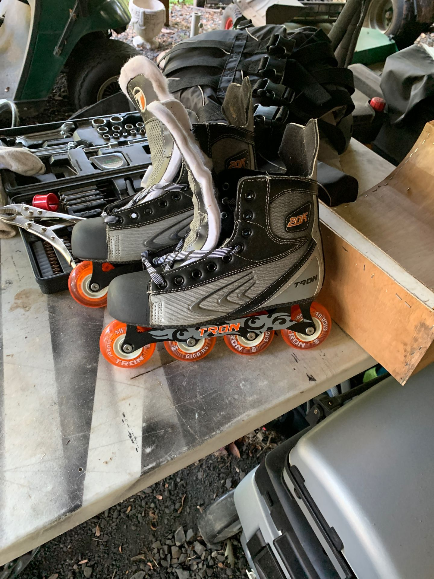 Tron roller hockey skates size 10 1/2