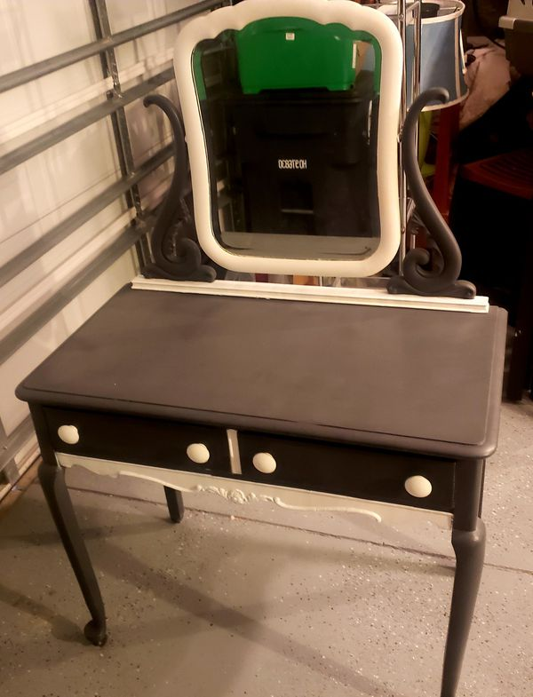 - Antique Vanity. (Furniture) In Monroe, NC - OfferUp