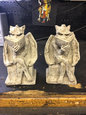 Gargoyles to hold and protect your reading ! for Sale in Acworth, GA