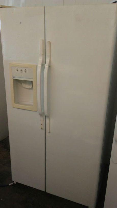 Hot point side by side fridge