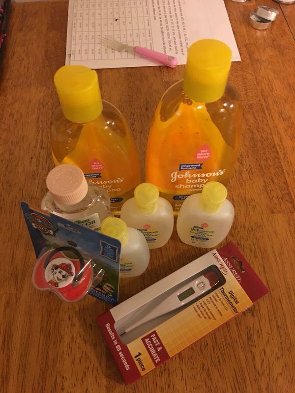 Baby bath stuff baby oil for Sale in Bethlehem, PA - OfferUp