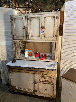 Photo Vintage kitchen cabinet