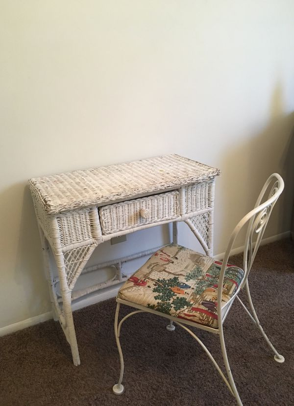 Wicker Vanity And Chair Greenville Sc
