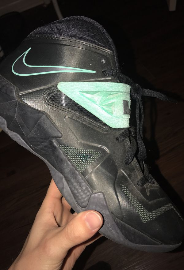 b9b3d34c7d0ed Nike zoom LeBron soldiers 7s for Sale in Tyler