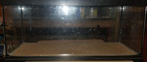 20 gallon tank with lid for Sale in Baltimore, MD