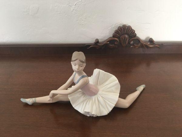 Retired Lladro figurine ballerina girl in splits  for Sale in Phoenix, AZ -  OfferUp