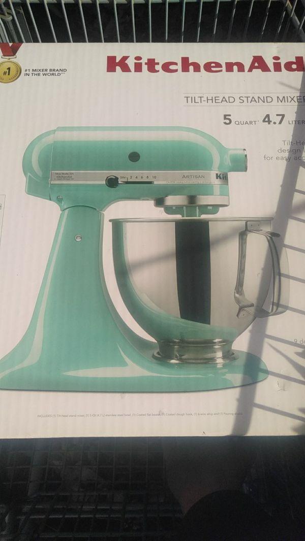 Kitchenaid Artisan Mixer 5quart For Sale In Auburn Wa