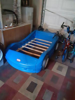 Photo Race car bed