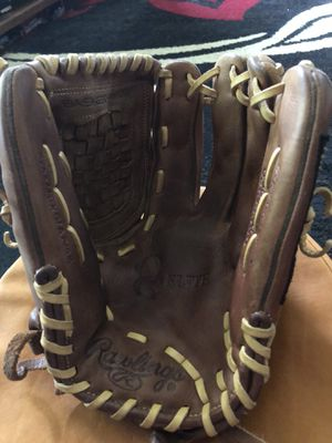 "Rawlings Gold Glove Elite 12.5"" baseball glove for Sale in Annandale, VA"