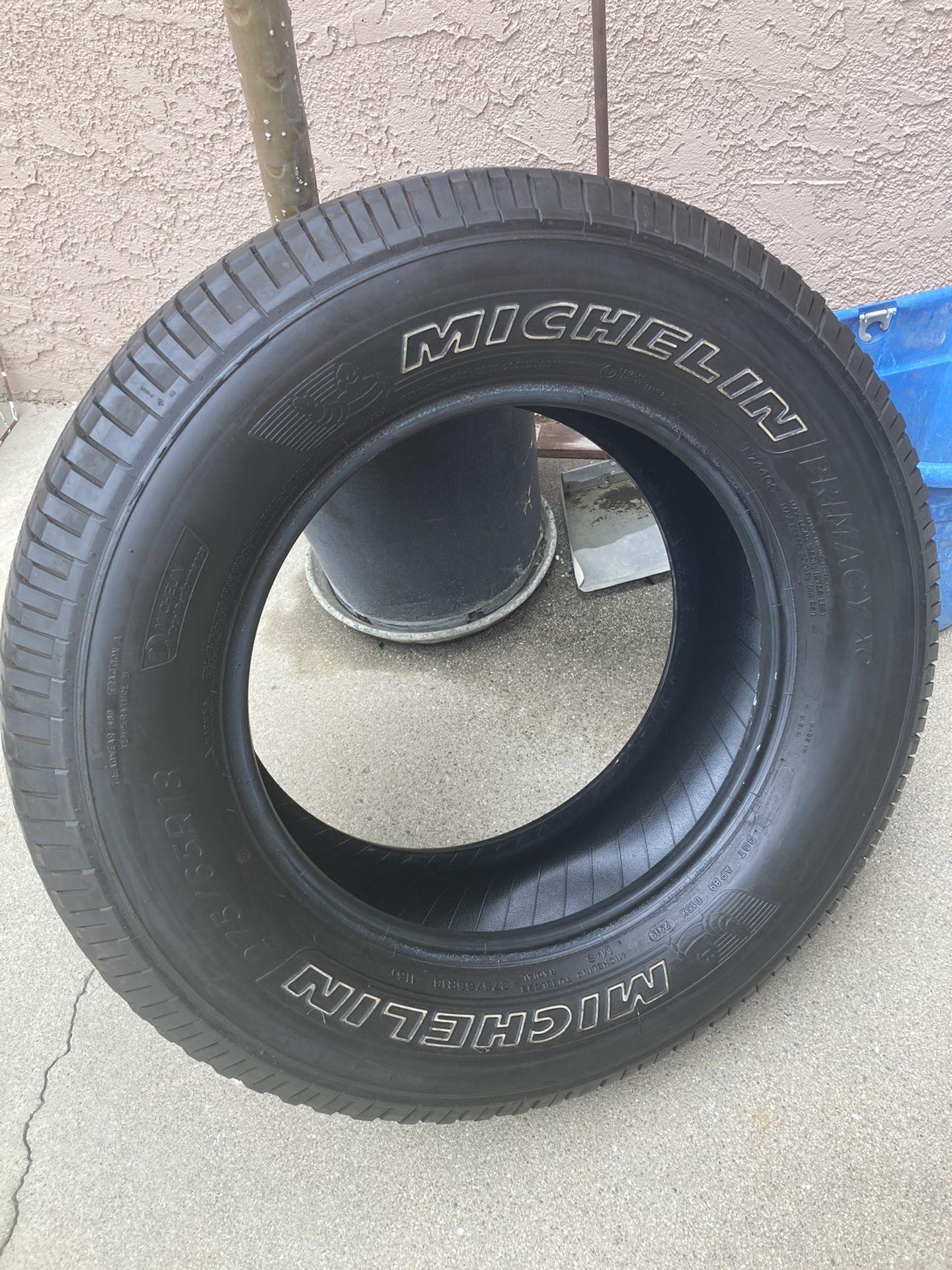 (2) 275/65/18 Michelin Tires 70% Thread Left