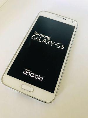 Samsung Galaxy S5 16Gb Unlocked for Sale in Hyattsville, MD