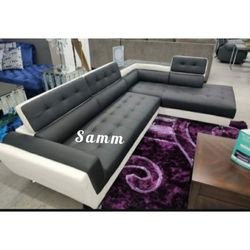 ⚫🖤Izzi Black and White Sectional Set🌺🌺 No credit check 💙 delivery option 👈 Thumbnail