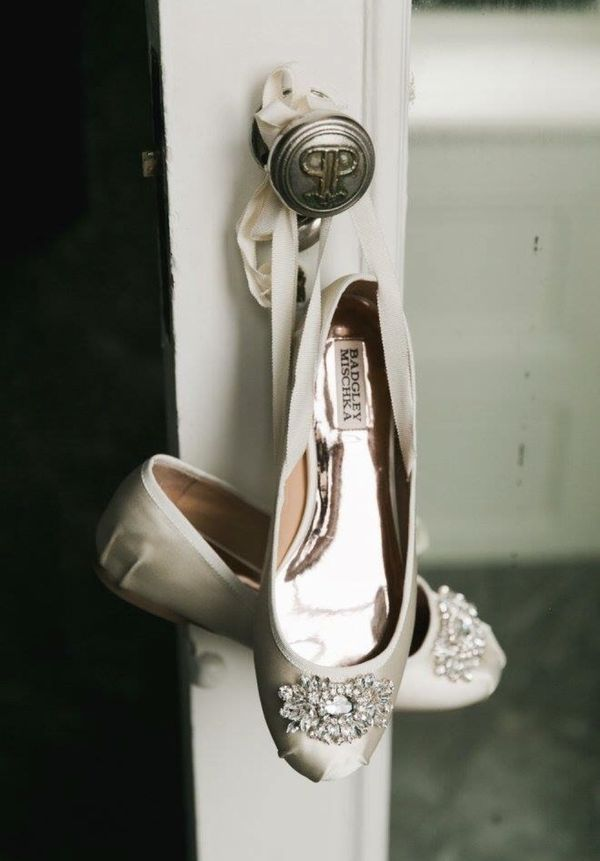 2a66f9cf42a Badgley Mischka Karter ivory lace-up flats for Sale in Rochester