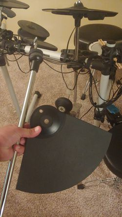 Yamaha electric drum cymbal, and mount. Roland CY-6 Thumbnail