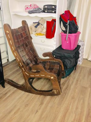 Antique rocking chair for Sale in MONTGOMRY VLG, MD
