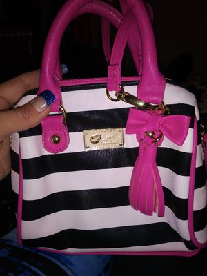 Luv Betsey purse for Sale in Evans, CO