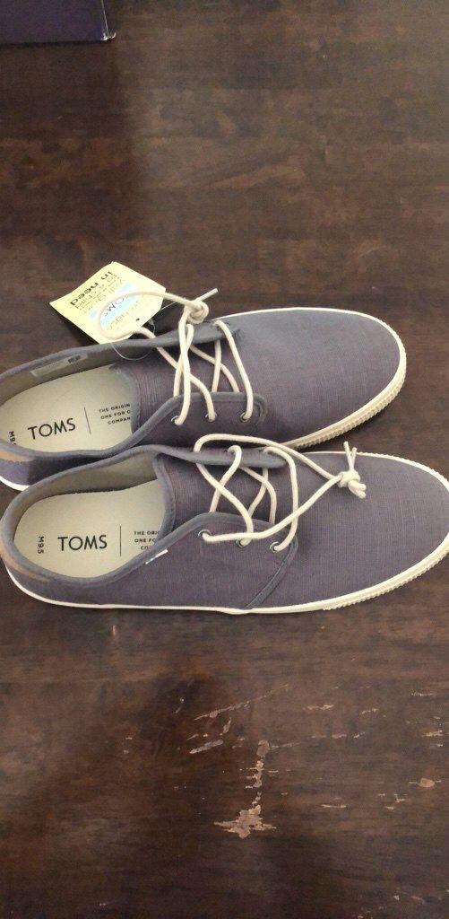 df1dbdafd06 Toms Men s Shoes NWT for Sale in Marietta