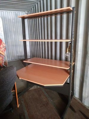 Desk/shelf unit $75 must pick up in sumas text {contact info removed} for Sale in Sumas, WA