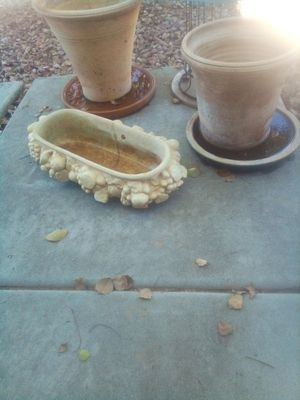 Photo 3 heavy Ceramic pots and plates $5 for all 3