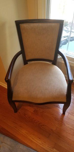 Single arm chair for Sale in Detroit, MI