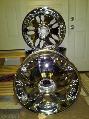 "5 lug universal 24"" rims for Sale in Fayetteville, AR"