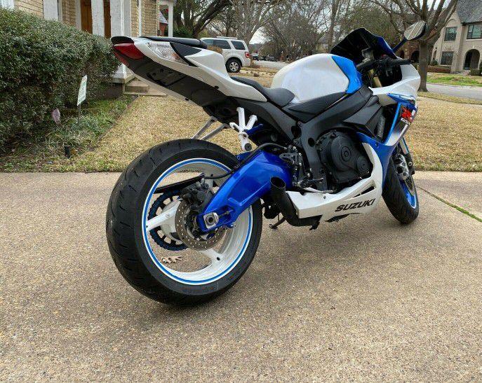 Photo Power_ Suzuki GSXR$1000 low price