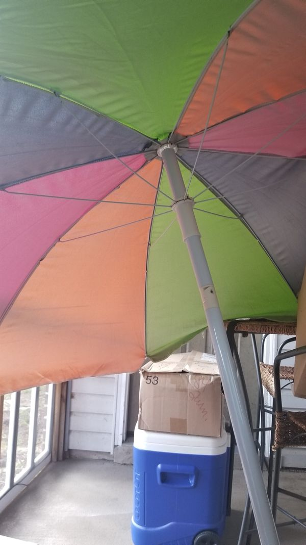 Large Beach Umbrella Excellent Condition Only Used A Times Moving Away From So Will Not Need Anymore Pick Up In Kings Grant Area For
