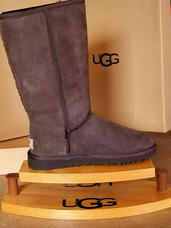 3d6fe0e3960 New Classic Tall Uggs Womens 5 Chocolate for Sale in Atco, NJ - OfferUp