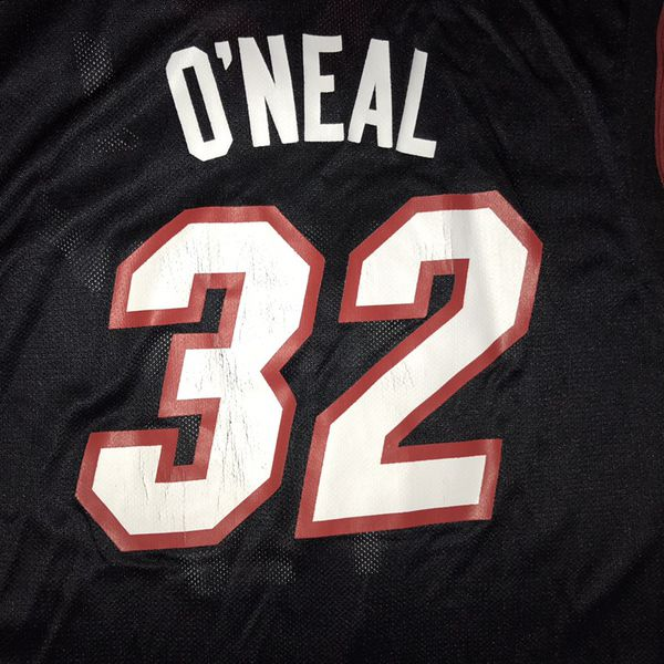 the latest dd543 a9d9d Miami Heat Basketball Jersey Shaquille O'Neal // Size XL for Sale in Cape  Coral, FL - OfferUp