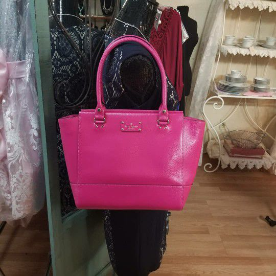 fcdb388d467a Kate spade leather purse for Sale in McAllen, TX - OfferUp