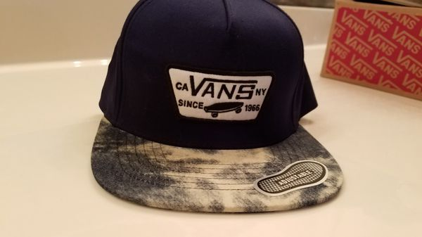 54716f6f890 Vans snapback hat for Sale in Sugar Land