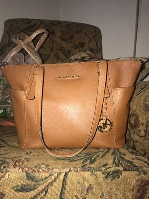Michael Kors leather purse for Sale in Richmond, VA