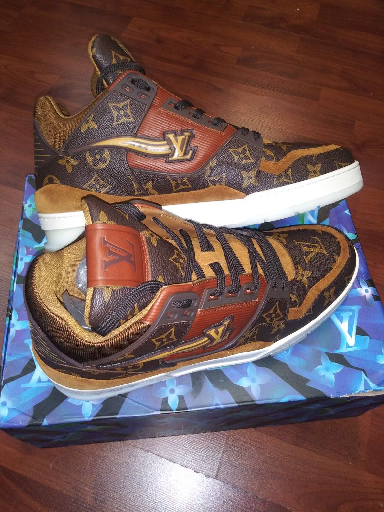 Louis vuitton sneakers size 44