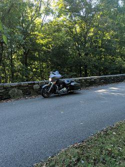 2018 Harley Davidson Street Glide Thumbnail