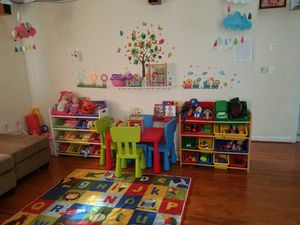Mi esposa cuida niños for Sale in Manassas, VA