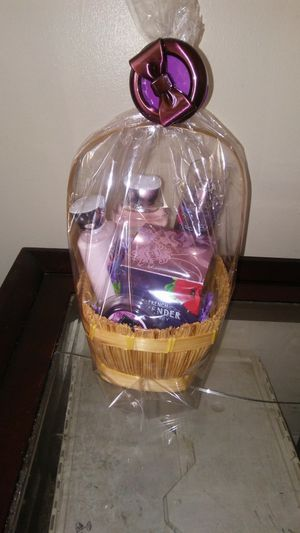 Bath and body basket for Sale in Columbus, OH