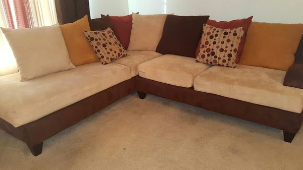Living Room Furniture Set (Furniture) in St. Louis, MO - OfferUp