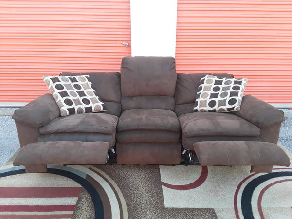 Brown Recliner Sofa Delivery Possible Furniture In Austin Tx Offerup